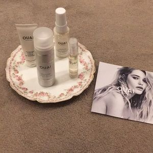 Accessories - Ouai haircare travel set